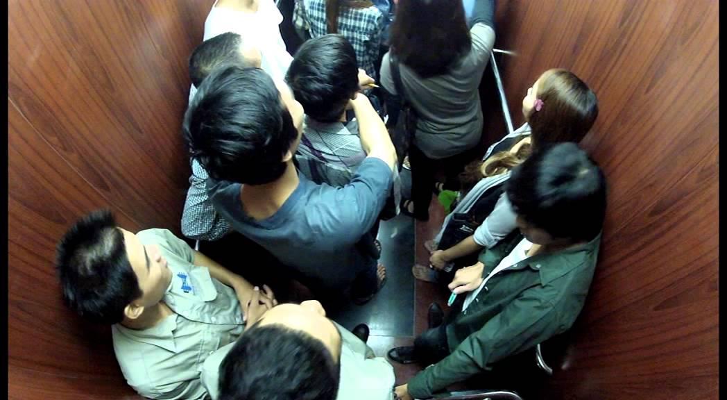Bộ cứu hộ tự động không thể thiếu trong thang máy