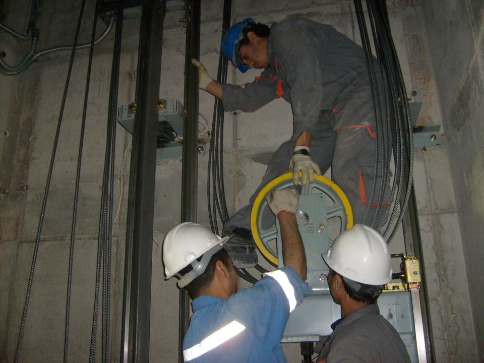 quy trình lắp đặt thang máy chuẩn xác