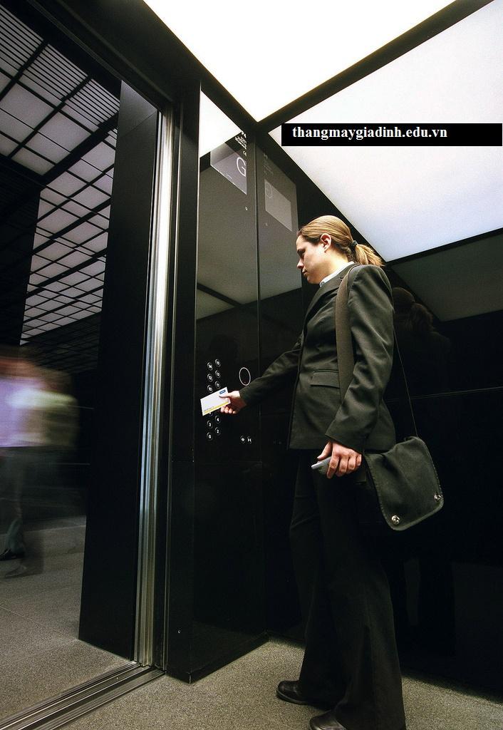 Hệ thống kiểm soát cho thiết bị thang máy