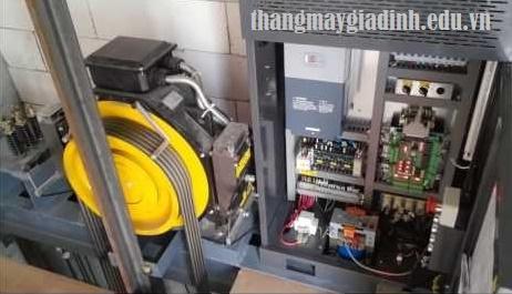 Phương pháp tiết kiệm điện khi sử dụng thang máy